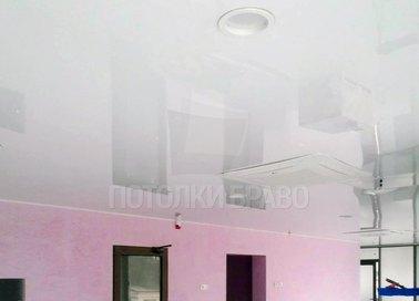 Отражающий глянцевый натяжной потолок НП-179