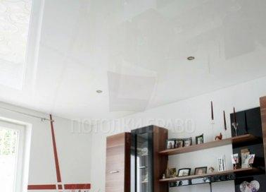 Белый глянцевый натяжной потолок НП-186 - фото 5