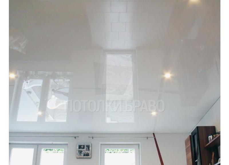Белый глянцевый натяжной потолок НП-186