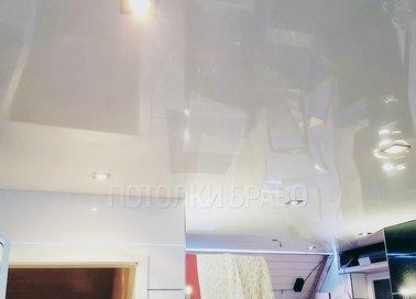 Глянцевый натяжной потолок со светильниками НП-201