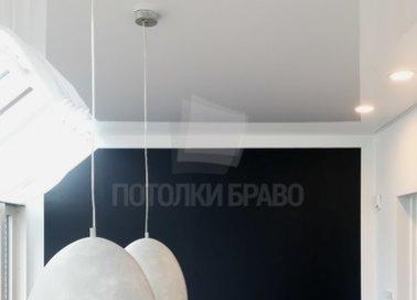 Глянцевый натяжной потолок со светильниками НП-208 - фото 2