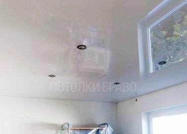 Глянцевый зеркальный натяжной потолок НП-216
