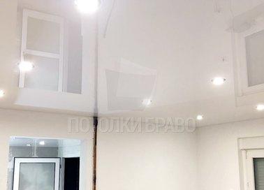 Глянцевый натяжной потолок с точечной подсветкой НП-221