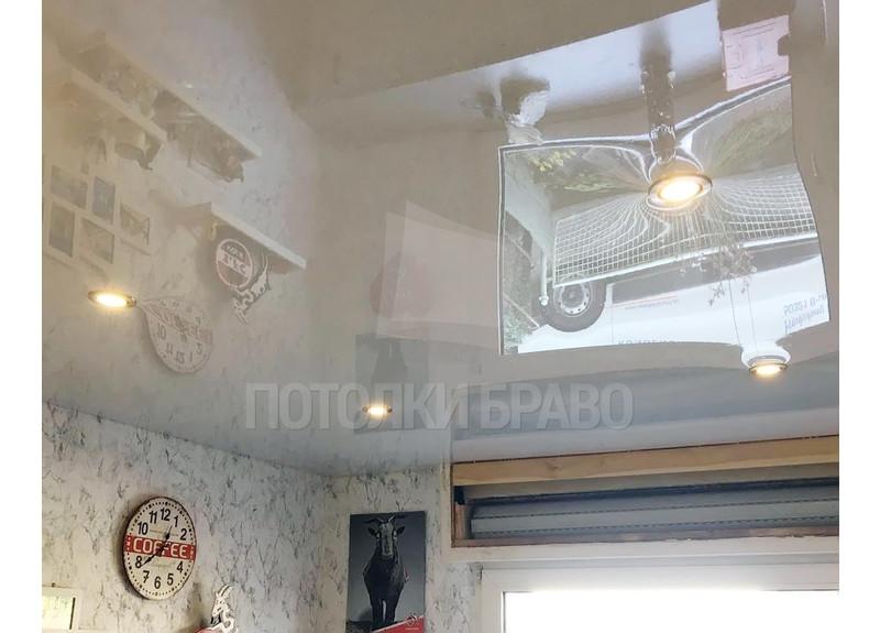 Зеркальный глянцевый натяжной потолок со светильниками НП-234 - фото 2