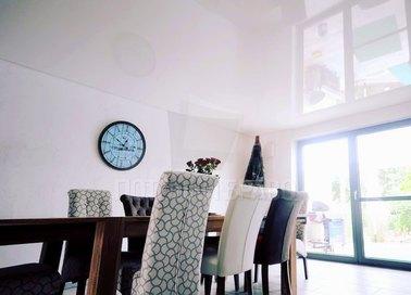 Классический сатиновый натяжной потолок для кирпичного дома НП-237