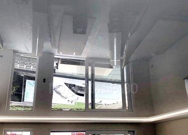 Глянцевый черный натяжной потолок для кирпичного дома НП-252 - фото 2