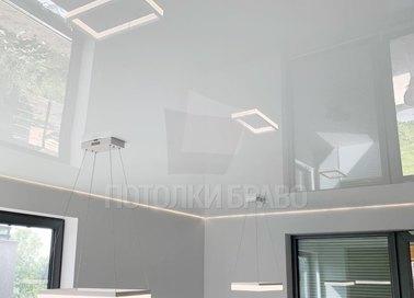 Глянцевый белый натяжной потолок для офиса НП-258
