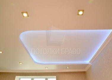 Розовый матовый натяжной потолок для жилой комнаты НП-268