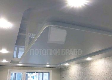 Сатиновый со вторым уровнем глянцевый натяжной потолок НП-281