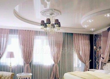Фактурный белый натяжной потолок для спальни НП-298