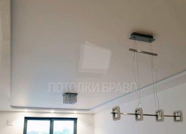 Молочный сатиновый натяжной потолок с сиреневой подсветкой НП-319 - фото 2