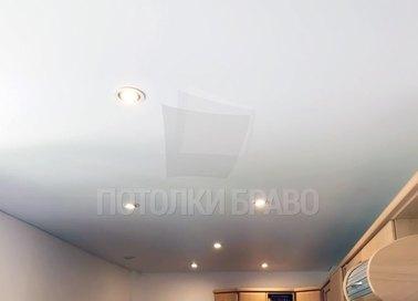 Матовый натяжной потолок со светильниками НП-328