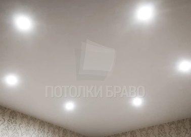 Матовый натяжной потолок цвета слоновой кости НП-337
