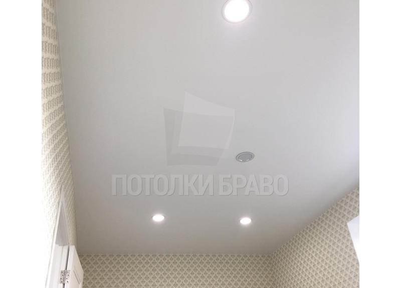 Матовый натяжной потолок со светильниками НП-357