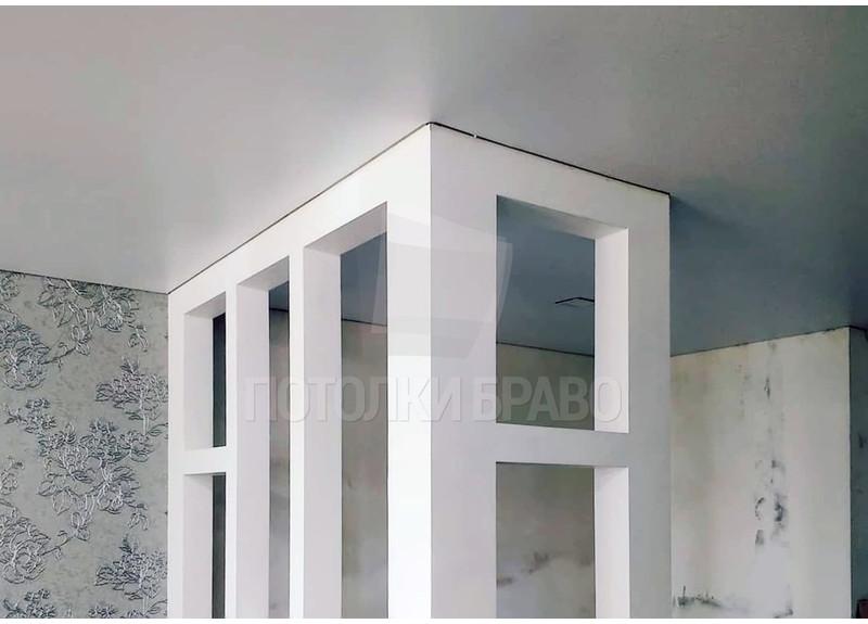 Обычный матовый натяжной потолок для жилой комнаты НП-374 - фото 2