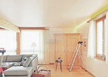 Матовый бежевый натяжной потолок для кирпичного дома НП-384