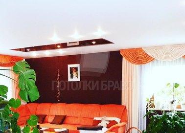 Красно-белый сатиновый натяжной потолок НП-392
