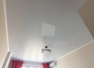 Белый сатиновый натяжной потолок в спальню НП-415 - фото 2