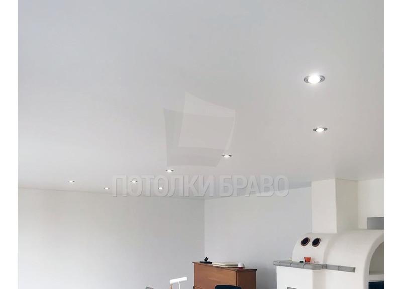 Бежевый сатиновый натяжной потолок для жилой комнаты НП-429 - фото 2