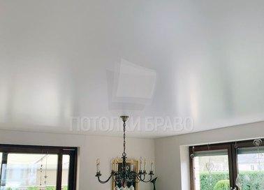 Белый сатиновый натяжной потолок НП-432