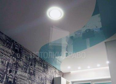 Двухцветный матово-глянцевый натяжной потолок для комнаты НП-455