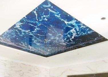 Белый матовый натяжной потолок с морским дизайном для комнаты НП-461