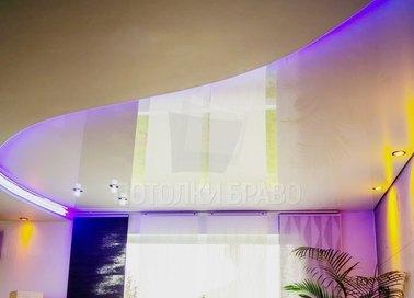 Натяжной потолок с сиреневой подсветкой НП-479