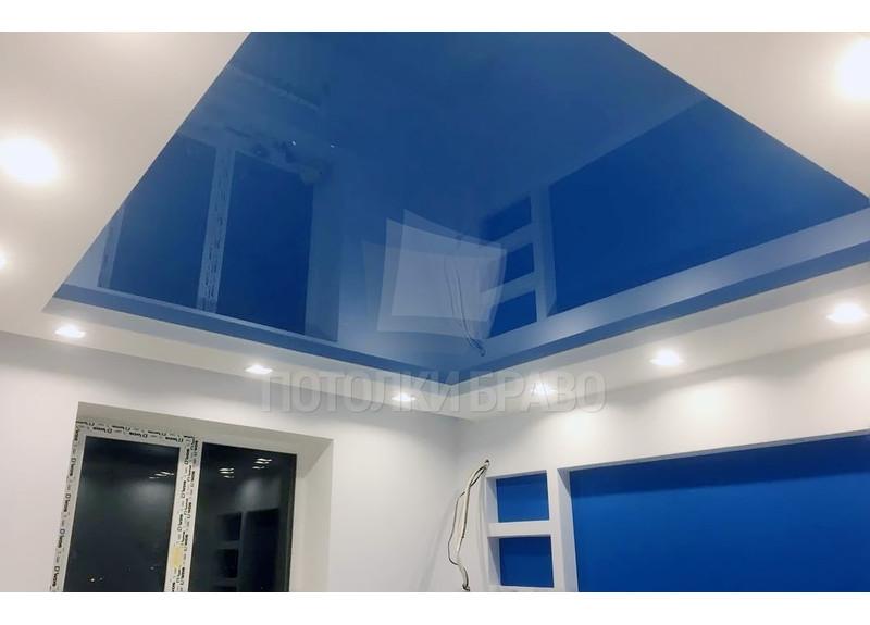 Двухуровневый синий натяжной потолок со светильниками НП-492
