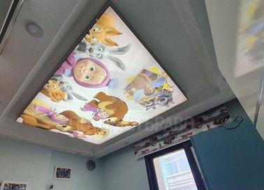 Фактурный натяжной потолок с мультяшными героями НП-533