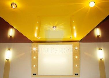 Глянцевый золотой в спальню натяжной потолок НП-538