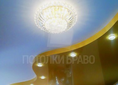 Матовый голубой с золотым натяжной потолок НП-542