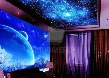 Фиолетовый натяжной потолок с изображением космоса НП-563