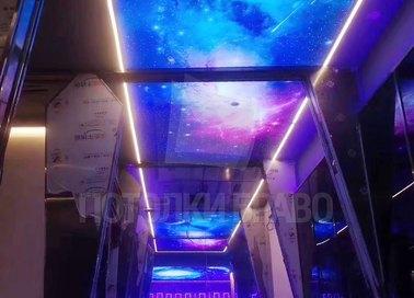 Космический матовый натяжной потолок с фиолетовой подсветкой НП-565 - фото 4