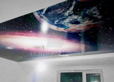 Космический натяжной потолок для жилой комнаты НП-576