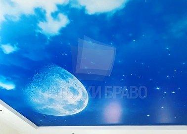 Сатиновый натяжной потолок с рисунком голубого неба НП-583