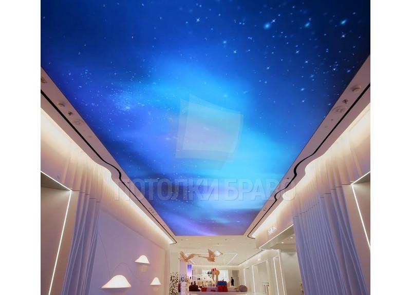 Синий матовый натяжной потолок с нишей для штор НП-589