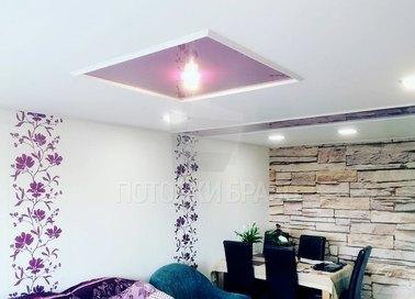 Фиолетово-белый натяжной потолок для жилой комнаты НП-631