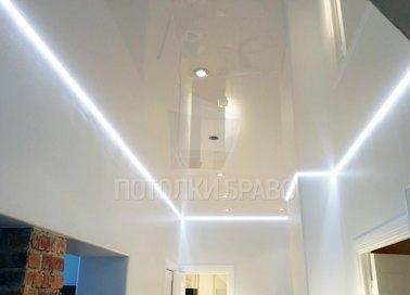 Глянцевый натяжной потолок с подсветкой в стиле Лофт НП-639