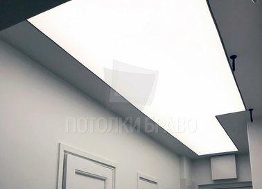 Матовый белый натяжной потолок в коридор с подсветкой НП-654