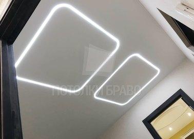 Матовый натяжной потолок со светящимися квадратами НП-666