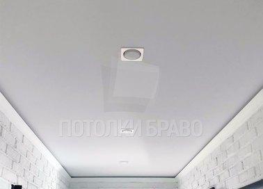 Матовый натяжной потолок с точечными светильниками НП-668