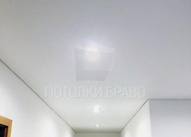 Матовый белый натяжной потолок в коридор НП-673