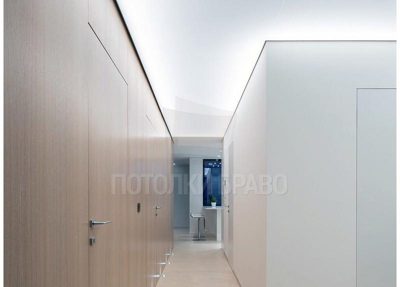 Светящийся матовый натяжной потолок для коридора НП-686