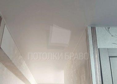 Матовый натяжной потолок в классическом стиле НП-688