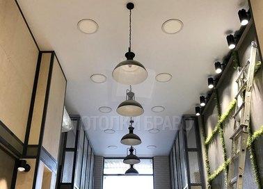 Матовый серый натяжной потолок со светильниками НП-697