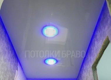 Матовый белый натяжной потолок с голубой подсветкой НП-700 - фото 2