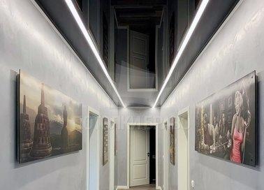 Черный глянцевый натяжной потолок с подсветкой для коридора НП-725 - фото 2