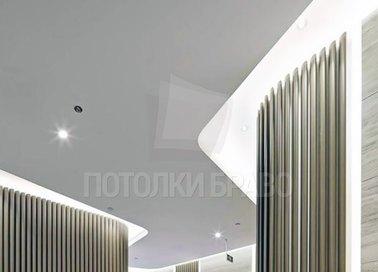 Зигзагообразный матовый натяжной потолок для коридора НП-727