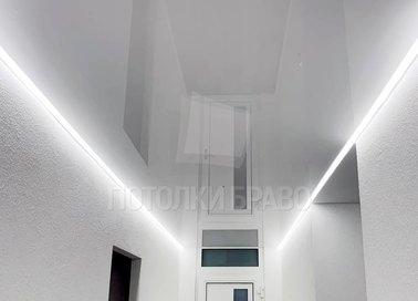 Глянцевый натяжной потолок с подсветкой НП-733