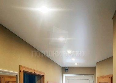 Матовый с лампочками натяжной потолок НП-735